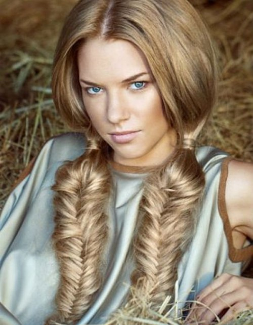 10 Cool Ideas To Make A Fishtail Hairstyle