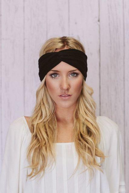 Elegant Looks With Black Headband