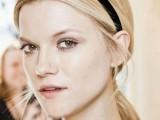 10 Elegant Looks With Black Headband3