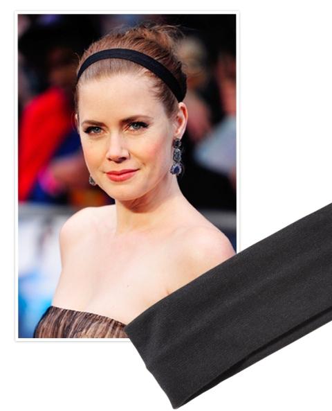 10 Elegant Looks With A Black Headband