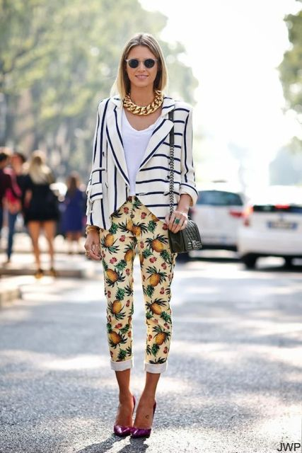 Cheerful Summer Outfits With Tropical Prints
