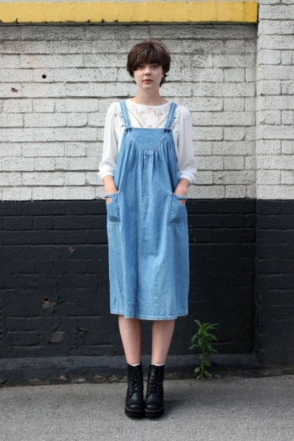 10 Trendy Pinafore Denim Dresses This Season