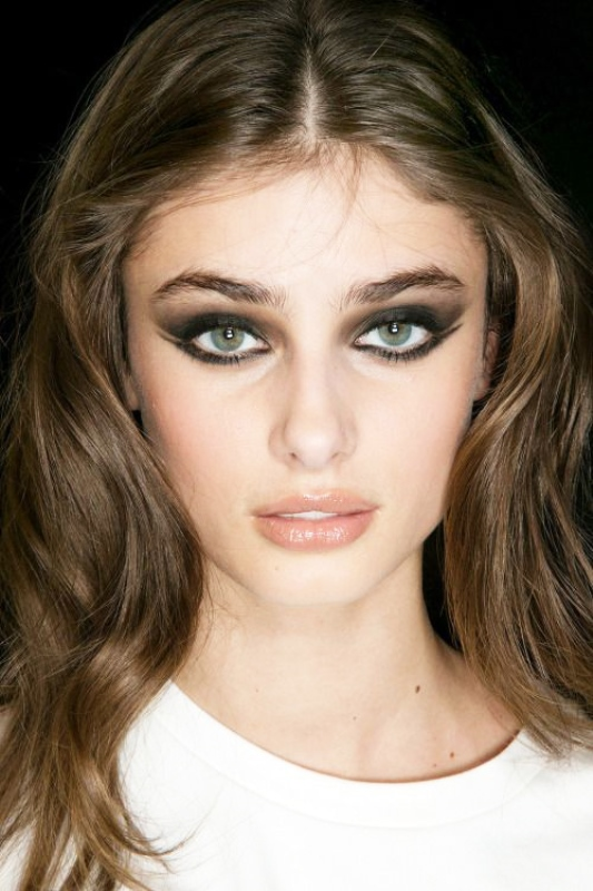 Picture Of new and creative ways to wear your eyeliner  5