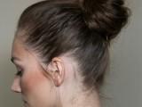 10-trendy-ballerinas-inspired-messy-bun-hairstyles-3