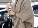 11 Comfortable Knitted Ponchos For Autumn Days6