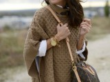 11 Comfortable Knitted Ponchos For Autumn Days7