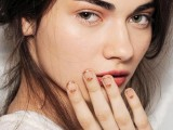 11-fabulous-golden-manicure-ideas-to-try-now-1