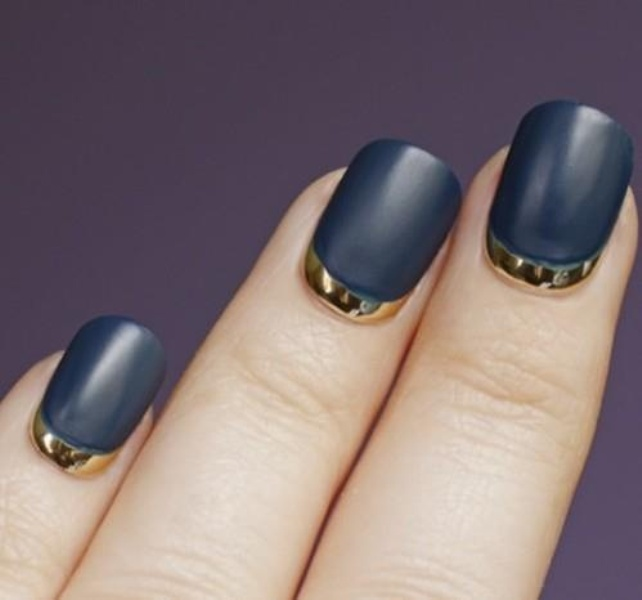 Picture Of fabulous golden manicure ideas to try now  2