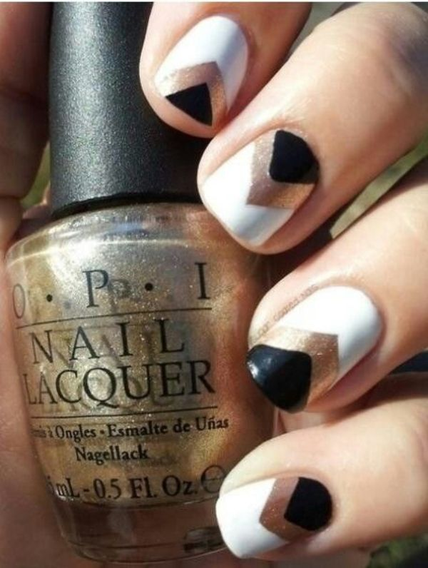 Picture Of fabulous golden manicure ideas to try now  8