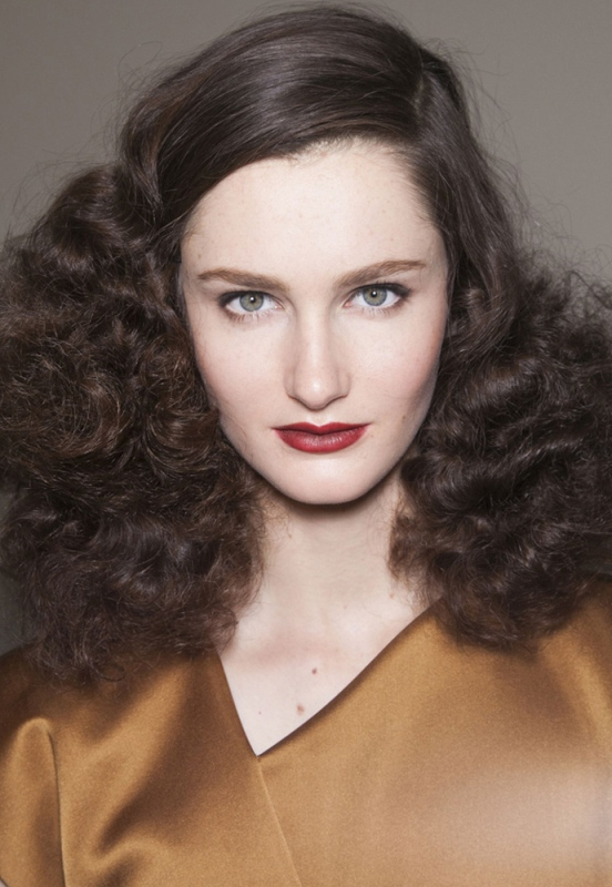 Picture Of trendy hairstyles of this fall from fashion runways  11