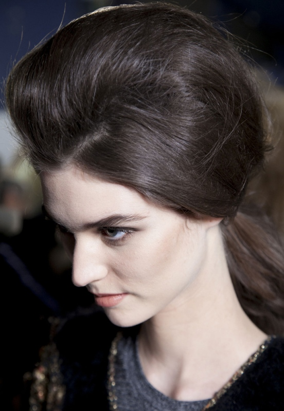 Picture Of trendy hairstyles of this fall from fashion runways  2
