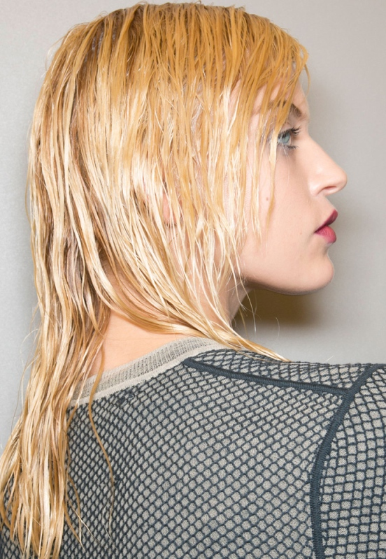 Picture Of trendy hairstyles of this fall from fashion runways  5