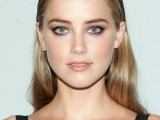 12 Celebrities-Inspired Holiday Makeup Ideas10