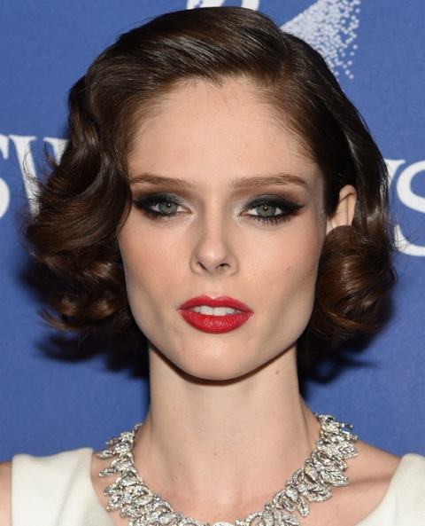 Celebrities Inspired Holiday Makeup Ideas