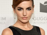 12 Celebrities-Inspired Holiday Makeup Ideas6