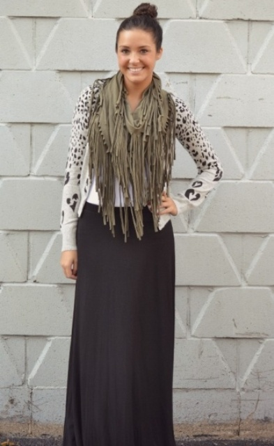 Picture Of Trendy Scarves For This Fall 12