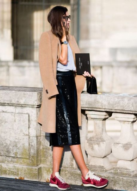 Picture Of Mainstream Work Outfits With Sneakers 8
