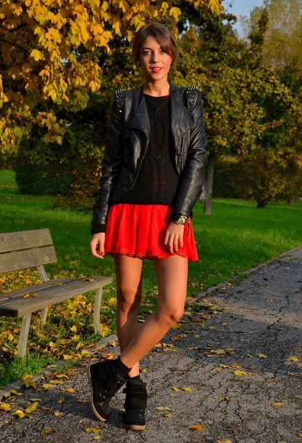 Picture Of Mainstream Work Outfits With Sneakers 9