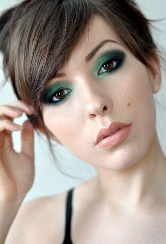 Picture Of ways to upgrade your basic smokey eyes makeup  1