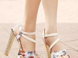 14 Gentle And Feminine Sandals For This Summer13