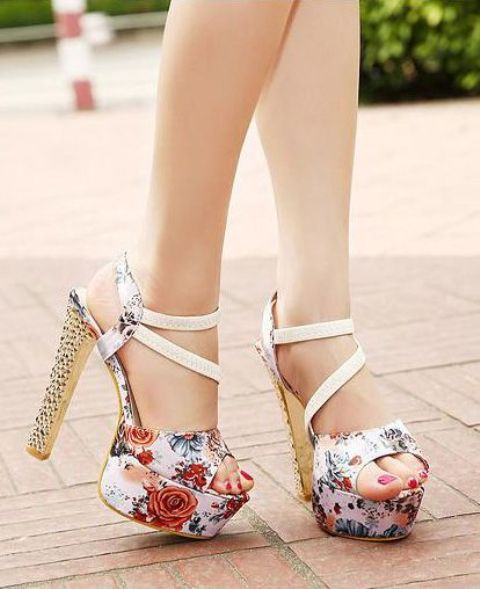 Gentle And Feminine Sandals For This Summer