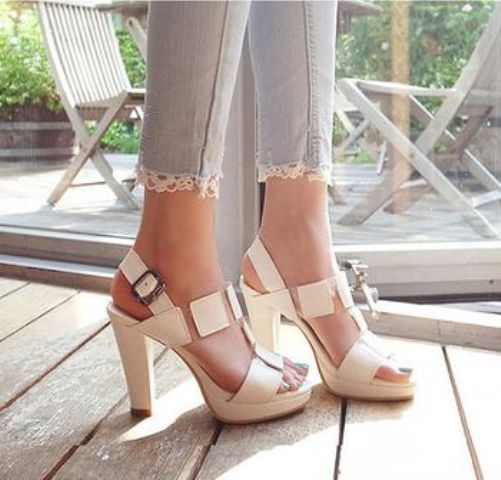 Picture Of Gentle And Feminine Sandals For This Summer 14