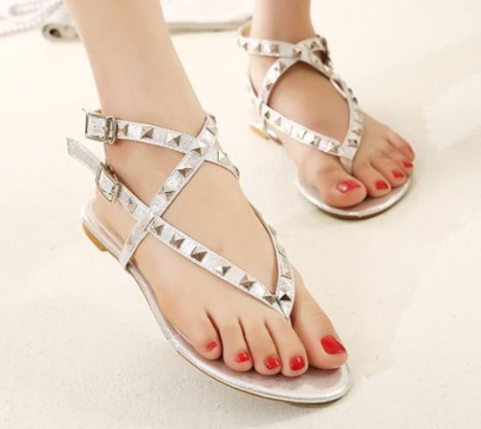 Picture Of Gentle And Feminine Sandals For This Summer 5