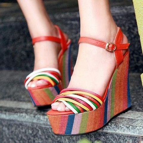 Picture Of Gentle And Feminine Sandals For This Summer 7