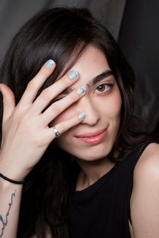 Picture Of main trends for fashionable summer manicure  11