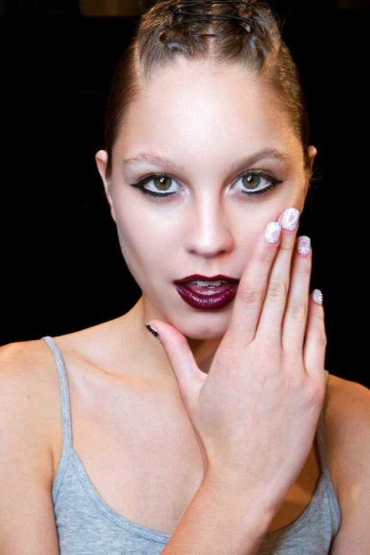 Picture Of main trends for fashionable summer manicure  4