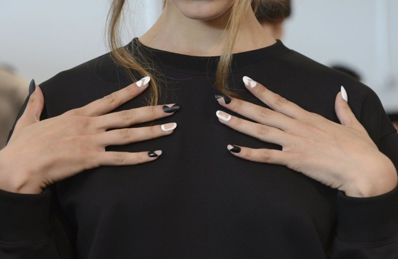 Picture Of main trends for fashionable summer manicure  5
