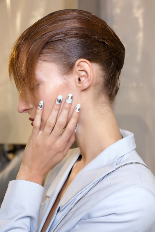 Picture Of main trends for fashionable summer manicure  6
