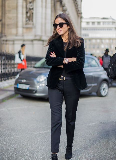 Awesome Velvet Jacket Outfits For Stylish Ladies