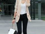 15 Comfortable Fall Outfits With Trendy Long-Line Blazers10