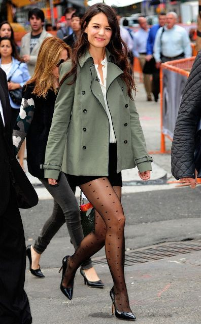Picture Of Cute Celebrity Looks With Tights 6