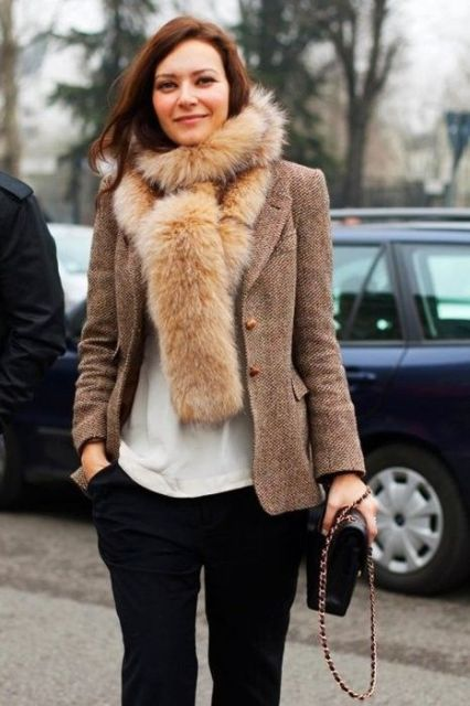 Fall Outfit Ideas With Faux Fur Stoles