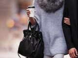 15 Fall Outfit Ideas With Faux Fur Stoles13