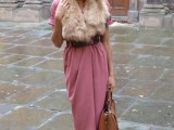 15 Fall Outfit Ideas With Faux Fur Stoles6