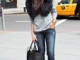 15 Fall Outfit Ideas With Faux Fur Stoles9