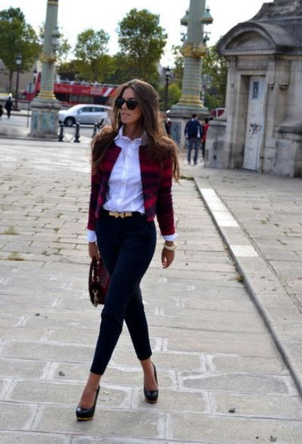 Picture Of Fashionable Casual Fall Outfits With Cropped Jackets 9