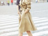 15 Perfect Fall Outfits With Nude Trench Coat2