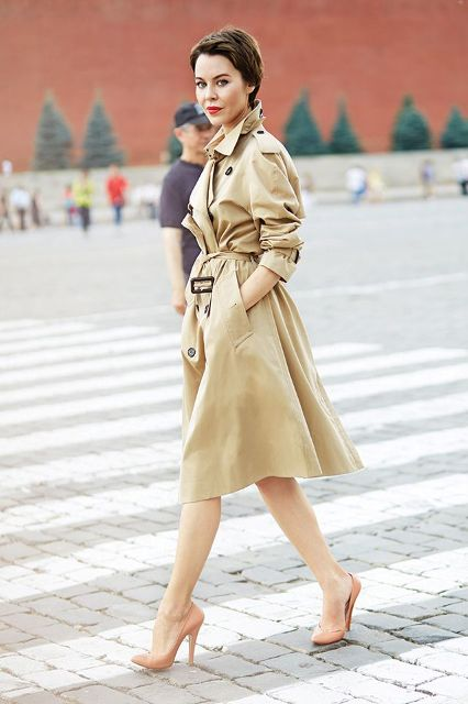 Perfect Fall Outfits With A Nude Trench Coat