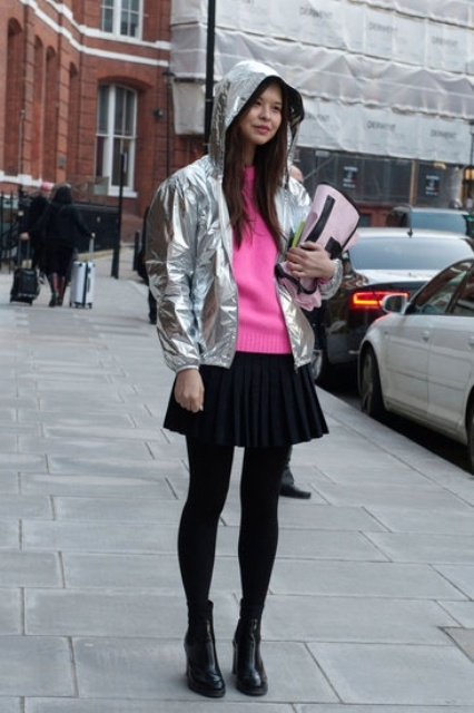 Picture Of Sport Outfits With A Metallic Touch To Look Stylish 2