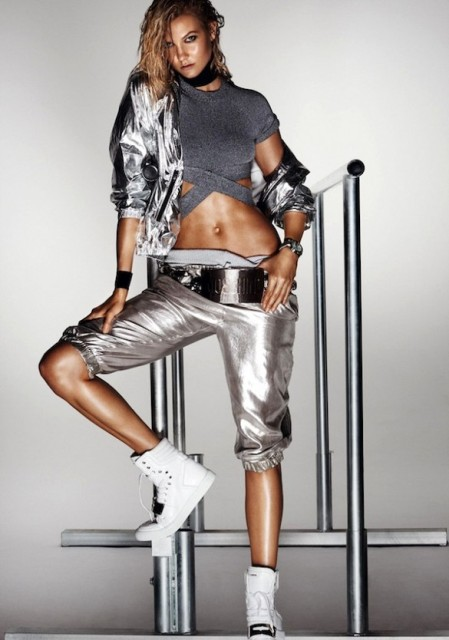 Sexy Workout Outfits With A Metallic Touch