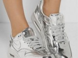 15 Sport Outfits With A Metallic Touch To Look Stylish 9