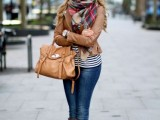 15 Stylish And Excellent Ways To Wear a Plaid Scarf12