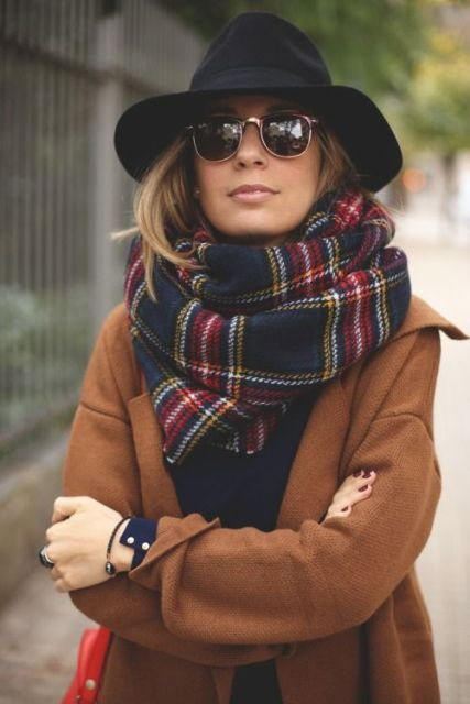 Stylish Ways To Wear A Plaid Scarf