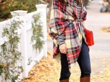 15 Stylish And Excellent Ways To Wear a Plaid Scarf14