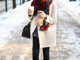 15 Stylish And Excellent Ways To Wear a Plaid Scarf2