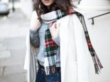 15 Stylish And Excellent Ways To Wear a Plaid Scarf5